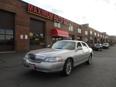 Used 2006 Lincoln Town Car Designer