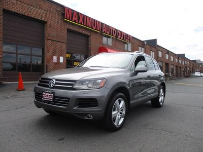 Used 2011 Volkswagen Touareg VR6 Lux