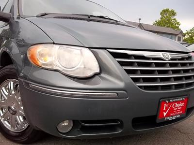 Used 2005 Chrysler Town & Country Limited