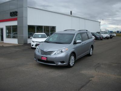 New 2016 Toyota Sienna LE