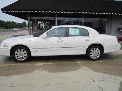 Used 2003 Lincoln Town Car Cartier
