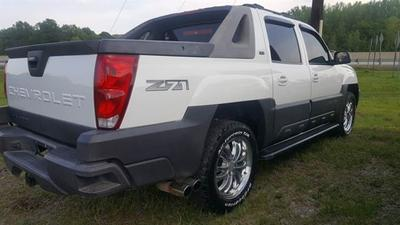 Used 2004 Chevrolet Avalanche