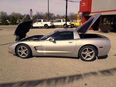 2004 Chevrolet Corvette Base
