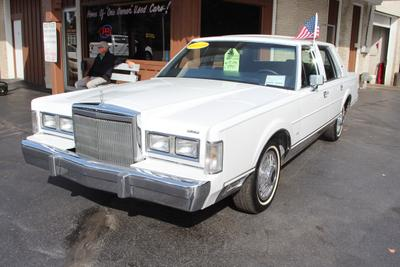 Used 1988 Lincoln Town Car Signature