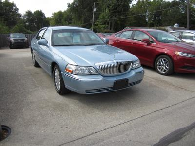 Used 2005 Lincoln Town Car Signature