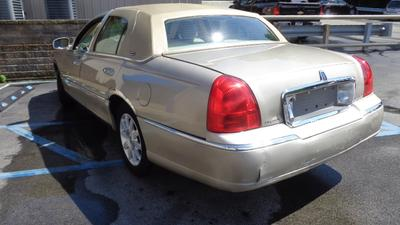 Used 2007 Lincoln Town Car Signature Limited