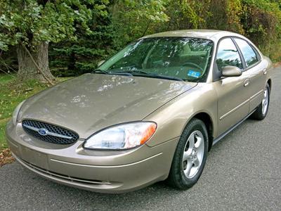 Used 2001 Ford Taurus SE