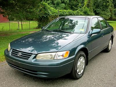 Used 1998 Toyota Camry LE