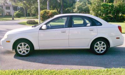 Used 2005 Suzuki Forenza S