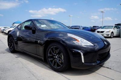 New 2017 Nissan 370Z Base