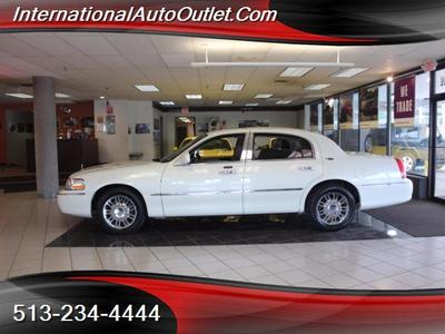 Used 2006 Lincoln Town Car Signature Limited