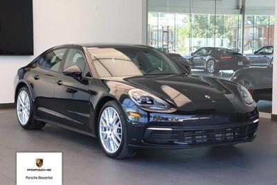 New 2017 Porsche Panamera 4