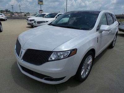 New 2016 Lincoln MKT EcoBoost