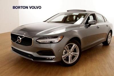 New 2018 Volvo S90 T5 Momentum