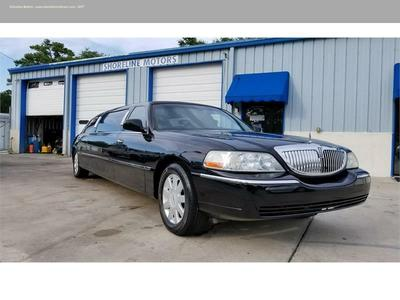 Used 2005 Lincoln Town Car Executive