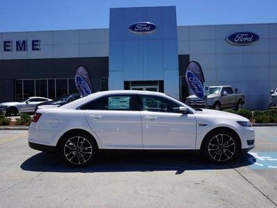 New 2017 Ford Taurus SEL