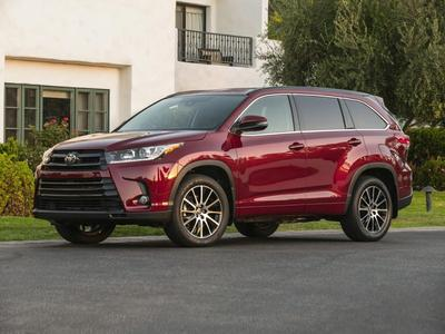New 2017 Toyota Highlander SE