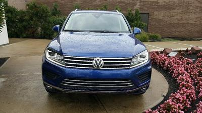 New 2016 Volkswagen Touareg TDI Sport w/Technology
