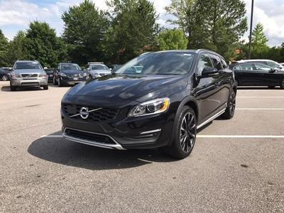 New 2017 Volvo V60 Cross Country T5 Platinum