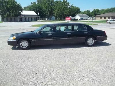 Used 2001 Lincoln Town Car Executive