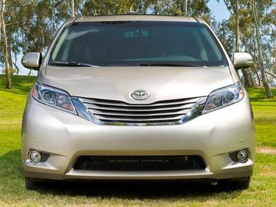 New 2016 Toyota Sienna Limited Premium