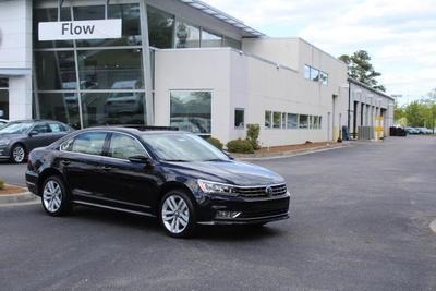 New 2017 Volkswagen Passat 1.8T SE w/Technology