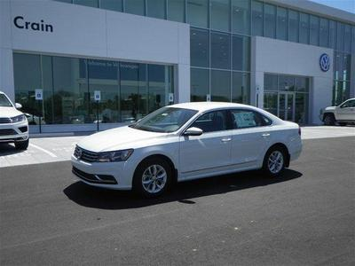 New 2017 Volkswagen Passat 1.8T S