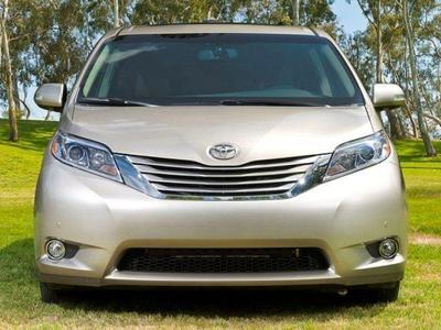 New 2017 Toyota Sienna LE