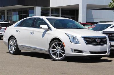 New 2016 Cadillac XTS Premium Collection