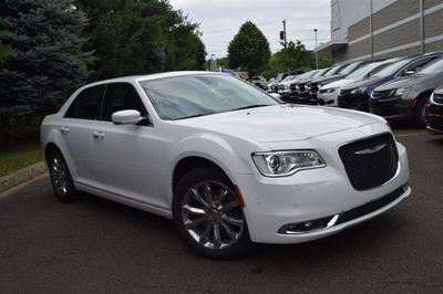 New 2017 Chrysler 300C Base