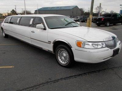 Used 1999 Lincoln Town Car Executive
