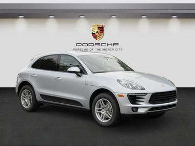 New 2017 Porsche Macan Base