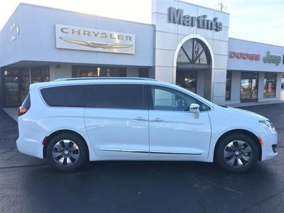 New 2017 Chrysler Pacifica Hybrid Platinum