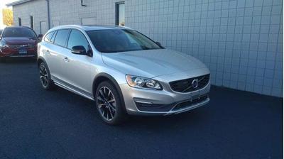 New 2017 Volvo V60 T5