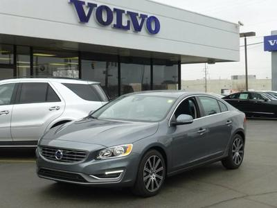 New 2017 Volvo S60 Inscription T5