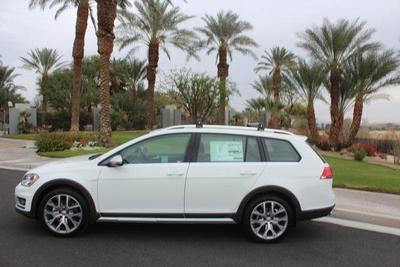 New 2017 Volkswagen Golf Alltrack TSI SEL