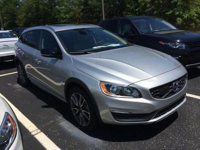 New 2017 Volvo V60 Cross Country T5