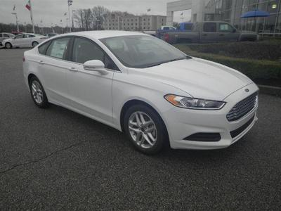 New 2016 Ford Fusion SE