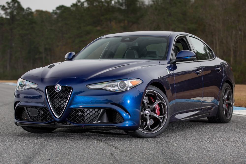 2017 Alfa Romeo Giulia Quadrifoglio Review Photo Gallery