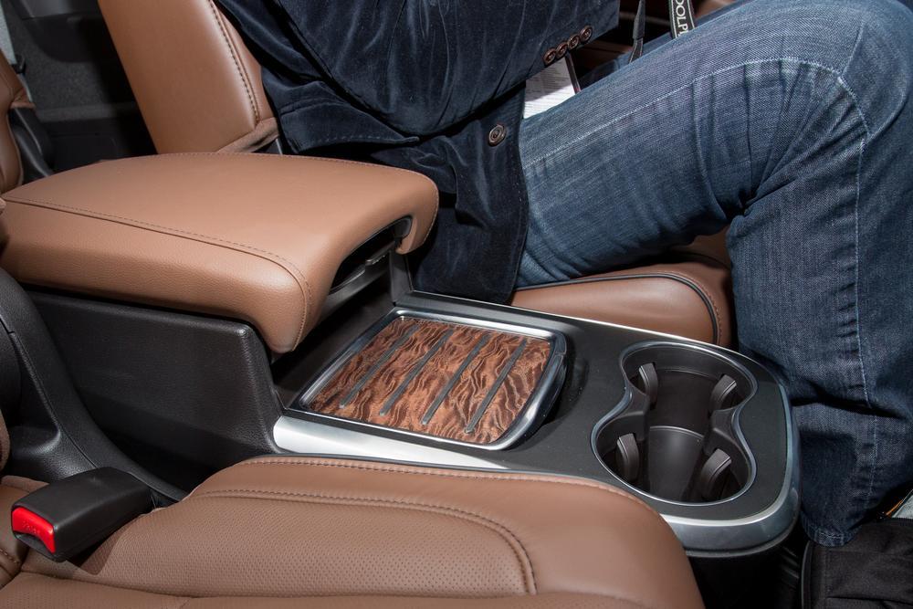 hybrid suv with 7 autos post. Black Bedroom Furniture Sets. Home Design Ideas