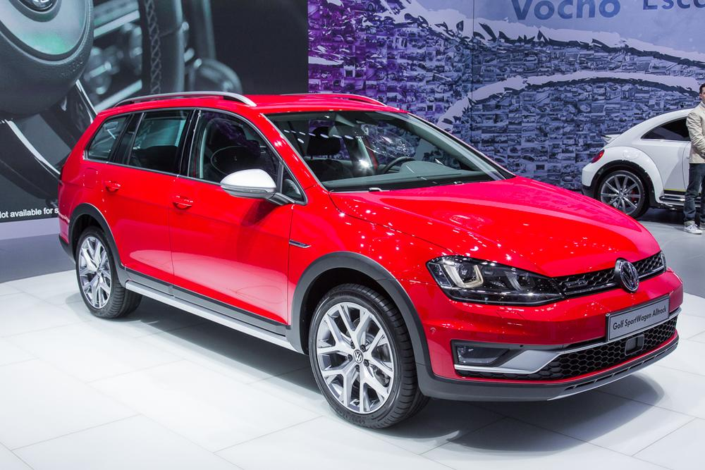 2017 volkswagen golf sportwagen alltrack photo gallery 36 photos. Black Bedroom Furniture Sets. Home Design Ideas