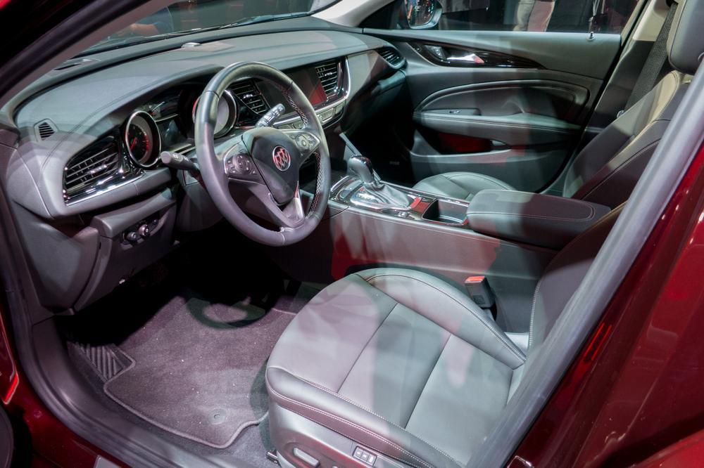 Elegant 2018 Buick Regal Sportback TourX First Impressions