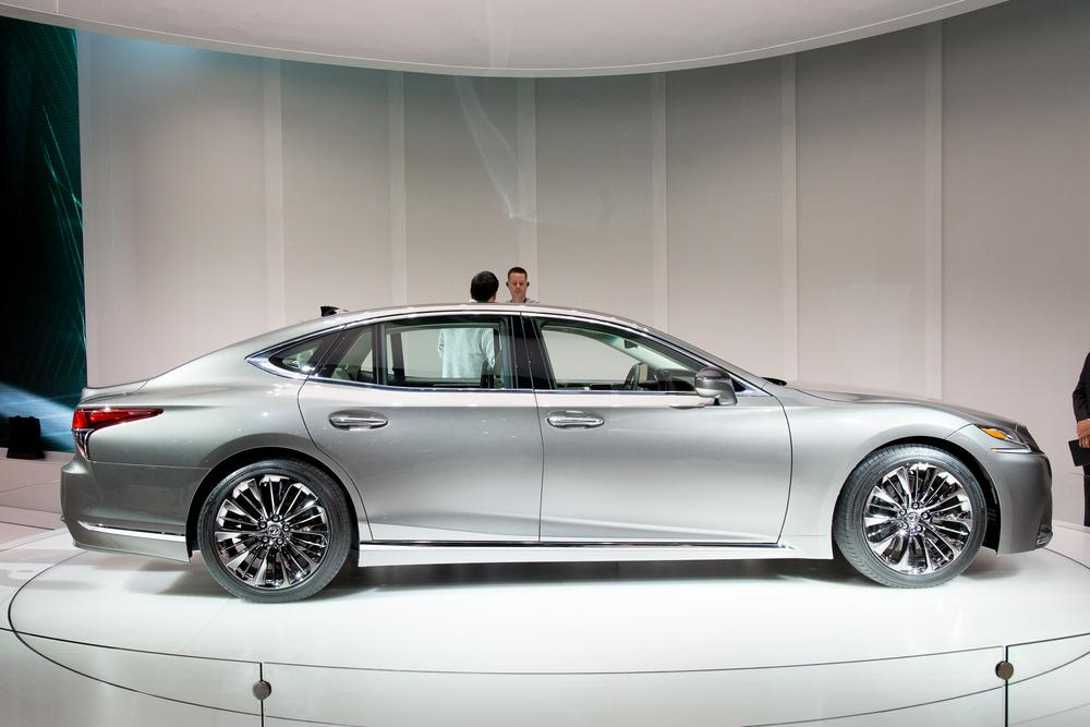 2018 lexus ls 500 review first impressions and photo gallery news. Black Bedroom Furniture Sets. Home Design Ideas