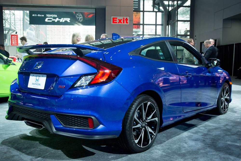 2017 honda civic si first impressions and photo gallery news. Black Bedroom Furniture Sets. Home Design Ideas