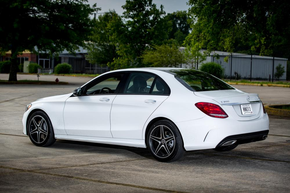 2017 mercedes benz c300 review photo gallery news for Mercedes benz c300 review 2017