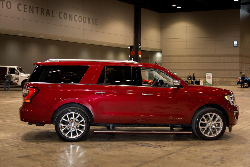 Accord Vs Camry >> 2018 Ford Expedition at 2017 Chicago Auto Show | News ...