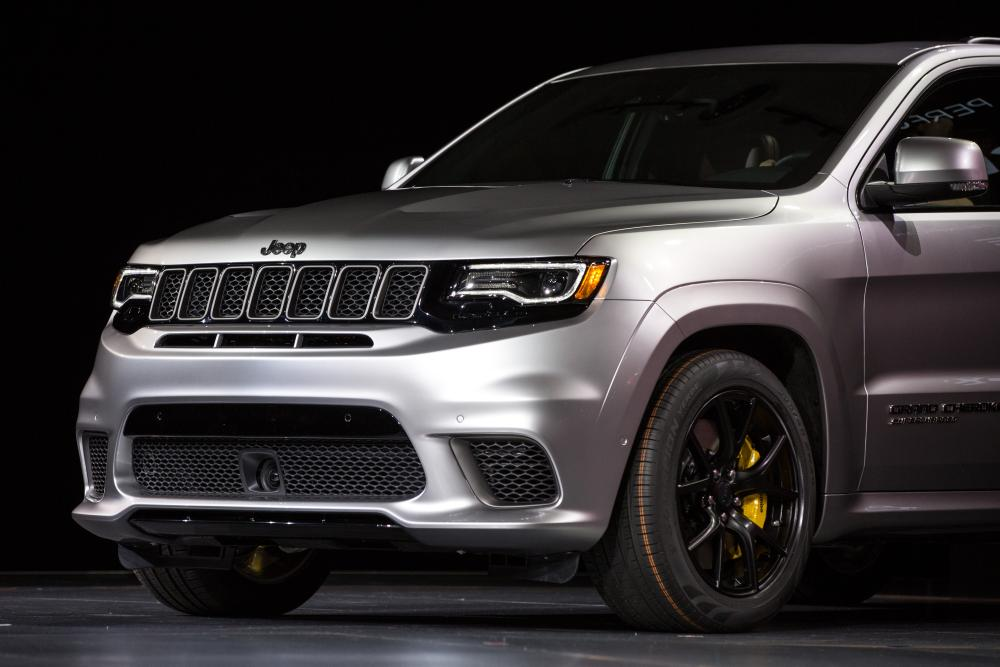 extreme jeep grand cherokee trackhawk gets extreme price news. Black Bedroom Furniture Sets. Home Design Ideas