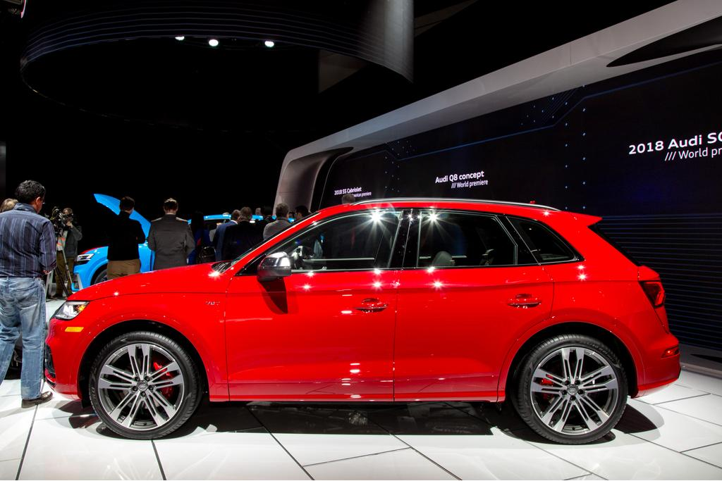 2018 audi sq5 review photo gallery news. Black Bedroom Furniture Sets. Home Design Ideas