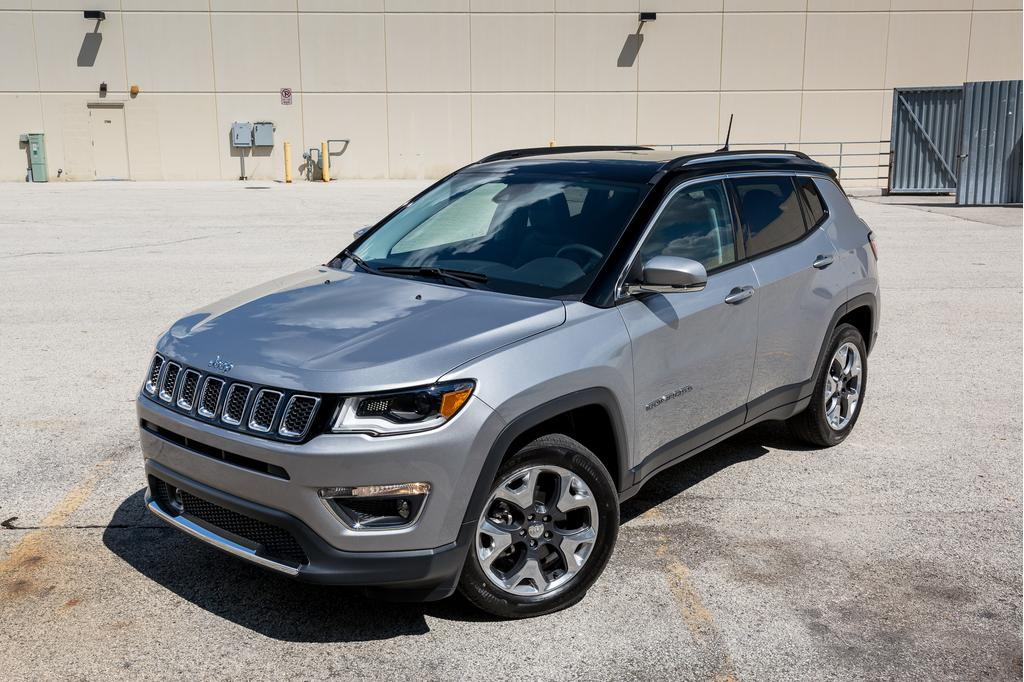 jeep-compass-2017-05-angle, exterior, front.jpg