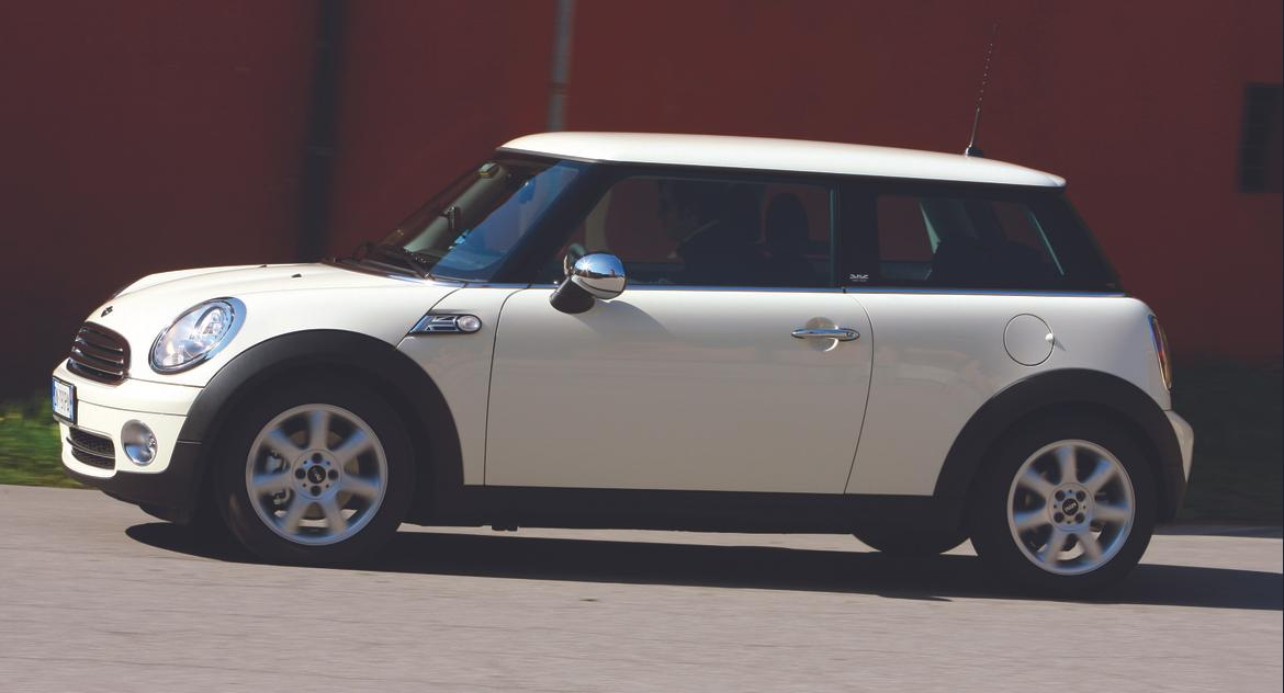 2010 2012 mini clubman cooper countryman visor issue. Black Bedroom Furniture Sets. Home Design Ideas